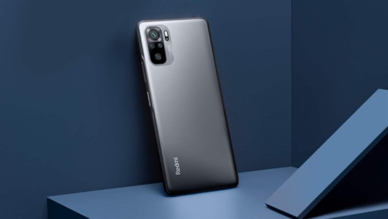 In terms of appearance, the Xiaomi Redmi Note 10 has a design like the devices of Xiaomi in recent times, with the camera cluster looking professional and genuine.  It can be said that this design I never look bored, perhaps partly due to the color coordination and layout of the cameras.