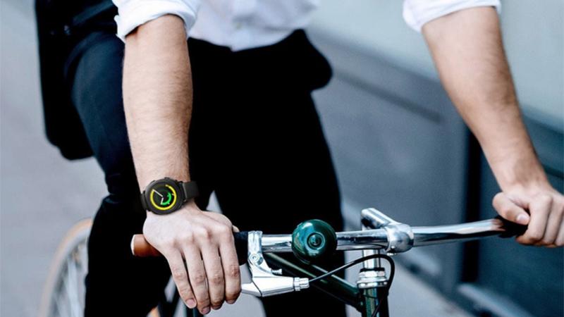 Smartwatch với các tính năng theo dõi sức khoẻ