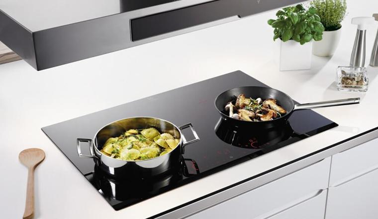 Cách để nhận biết nồi chảo có thể sử dụng được cho bếp từ hay không?