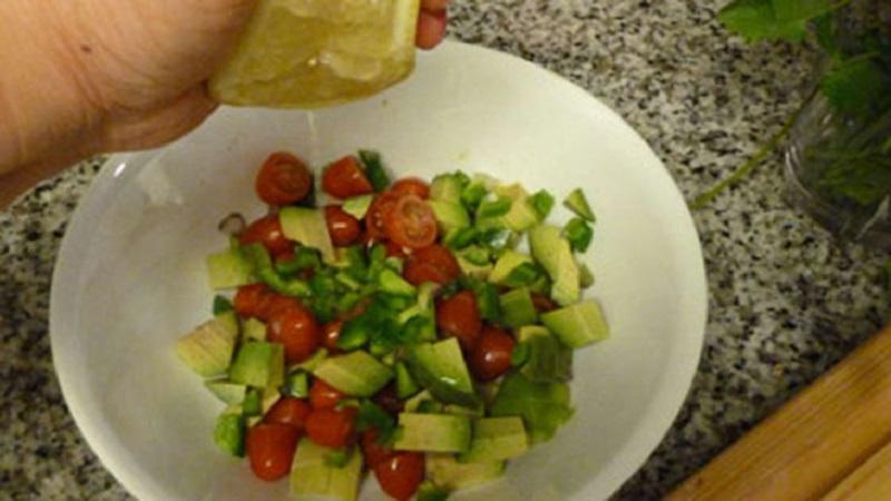 Cách làm món salad cà chua