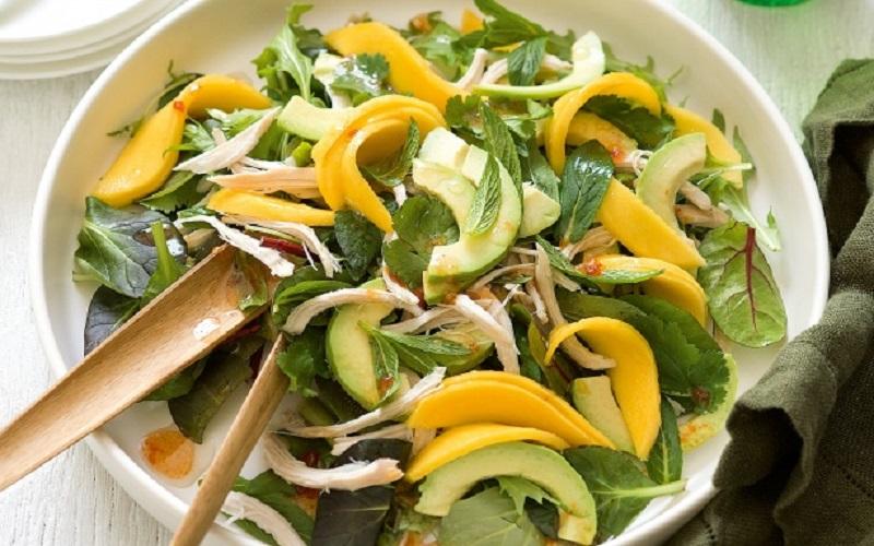 Cách làm làm món salad bơ với xoài