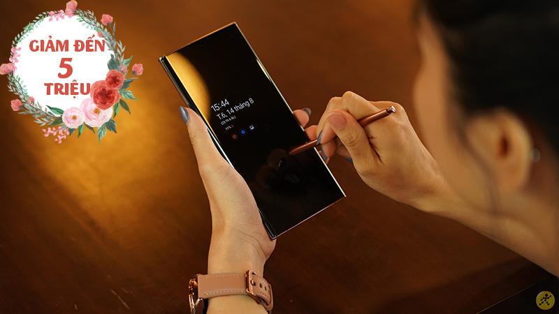 Ưu đãi độc quyền chỉ có tại Thế Giới Di Động: Loạt điện thoại 5G có mặt lưng kính sang trọng giảm hấp dẫn đến 5 triệu