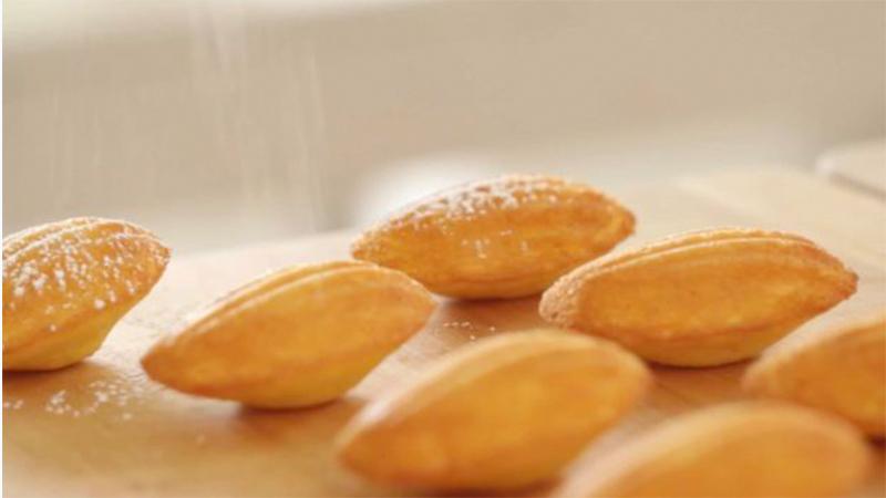 Bánh con sò (madeleine)