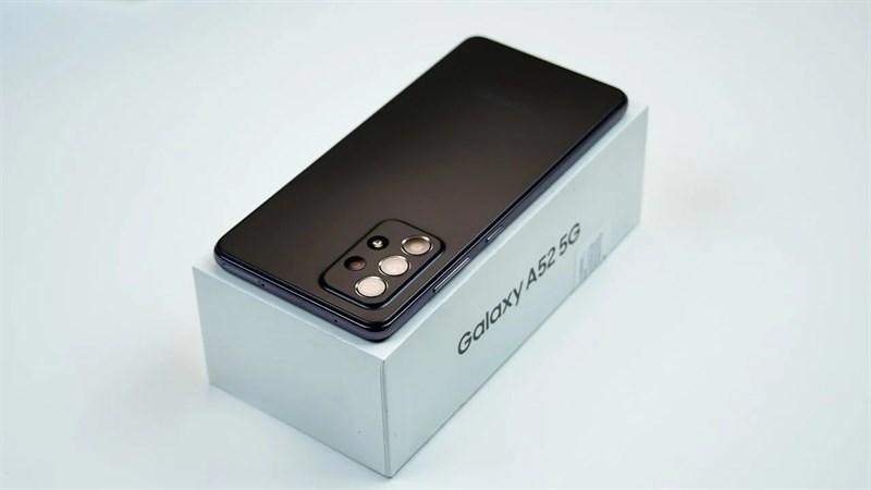 Chưa ra mắt nhưng video mở hộp Galaxy A52 5G bất ngờ xuất hiện, tiết lộ rất nhiều thông tin về smartphone này