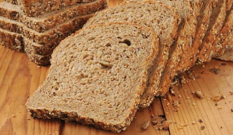 Bột mì nguyên cám là gì? Giá trị dinh dưỡng và 5 món ngon