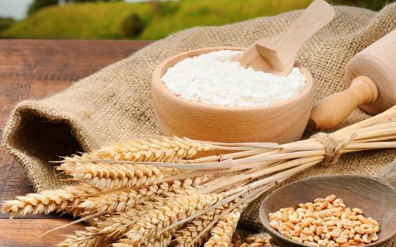 Bột mì là nguyên liệu thông dụng trong nhiều căn bếp