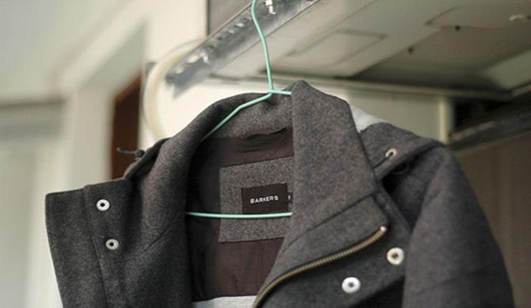 3 bước giúp ủi áo dạ thẳng băng không lo hư áo