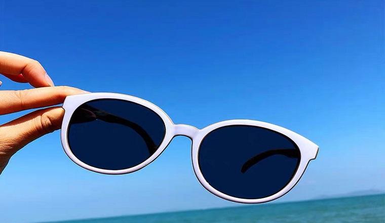 Top 11 kính râm chống tia UV tốt nhất giúp bảo vệ đôi mắt một cách hoàn hảo