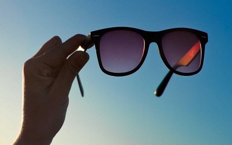 Nên chọn loại kính râm nào để chống tia UV tốt nhất?