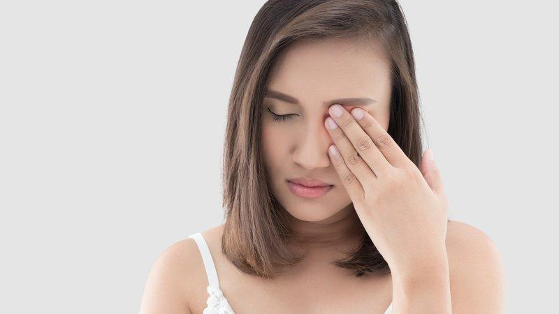 Giật mắt liên quan đến sức khỏe của cơ thể
