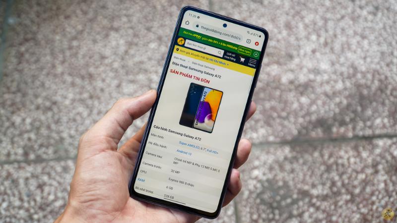 Galaxy A72 sở hữu tấm nền Super AMOLED kích thước 6.7 inch, độ phân giải Full HD+ cùng tần số quét 90 Hz.