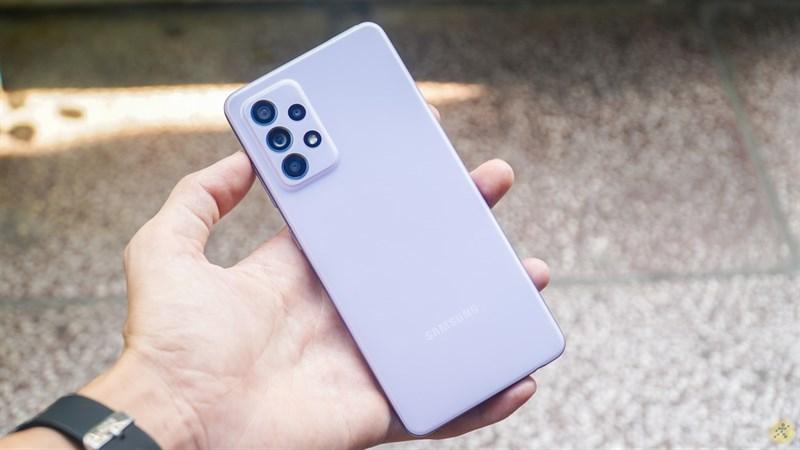 Khả năng kháng nước, kháng bụi IP67 giúp chiếc smartphone được bảo vệ 'kỹ càng' hơn.