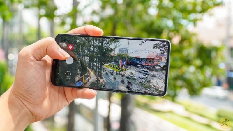 Camera của Samsung Galaxy A32 không chỉ có thiết kế đẹp mà còn sở hữu thông số khá ấn tượng nữa.