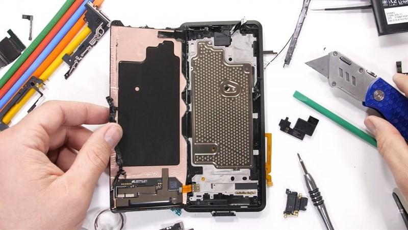 Sony Xperia Pro giá 58 triệu đồng là chiếc smartphone có khoang làm mát bằng hơi nước lớn nhất hiện nay