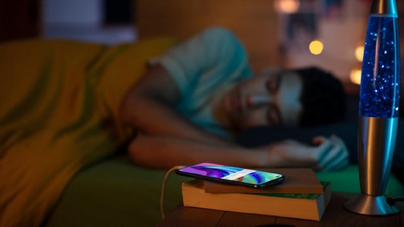 Đừng sạc qua đêm nếu bạn không muốn 'giết chết' smartphone của mình