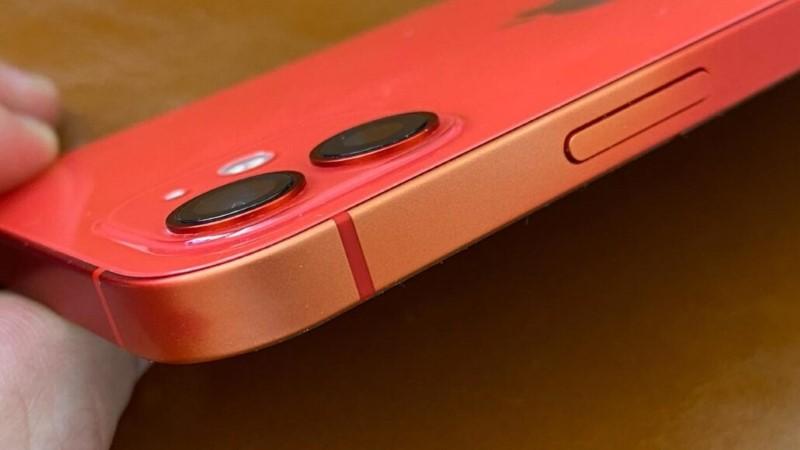 Thực hư iPhone 12 bị phai màu