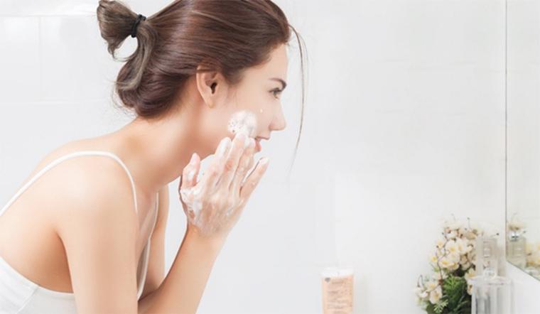 5 dấu hiệu cho thấy bạn rửa mặt chưa đủ sạch
