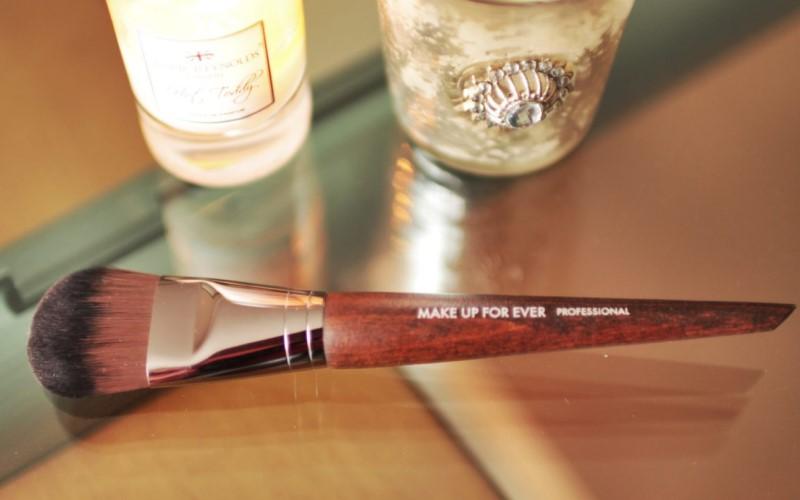 Cọ tán nền Make Up Forever Foundation Brush 108