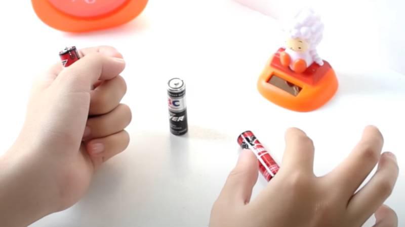Cách nhận biết pin tiểu hết pin và pin tiểu mới