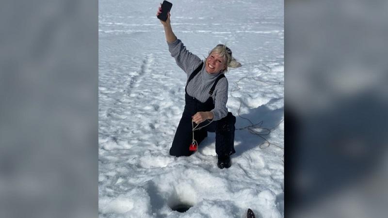 iPhone 11 Pro chìm sâu 4 tuần trong hồ đóng băng nhưng vẫn hoạt động tốt một cách kỳ lạ