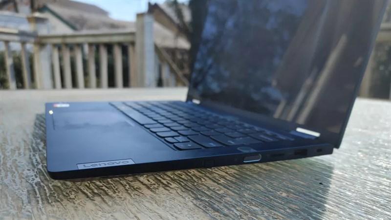 Lenovo ThinkBook 14S Yoga được trang bị các cổng kết nối đáp ứng đủ như cầu của bạn.