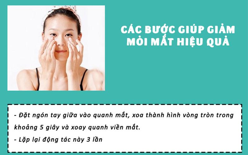 massage nhẹ nhàng vùng mắt