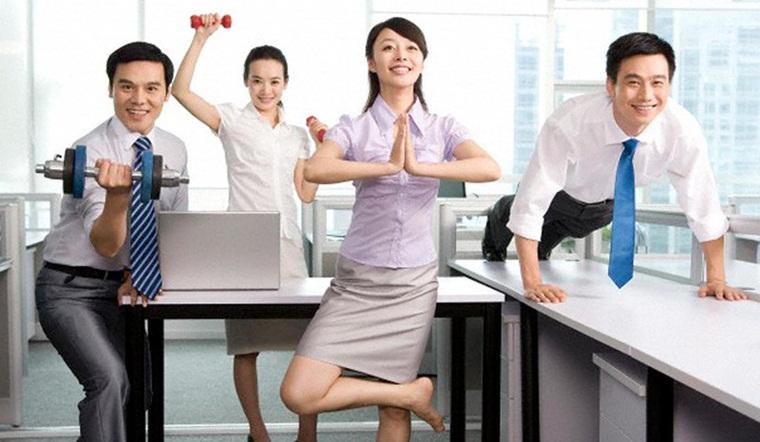Lưu ngay 5 động tác tập thể dục đơn giản, làm ngay tại bàn cho dân văn phòng