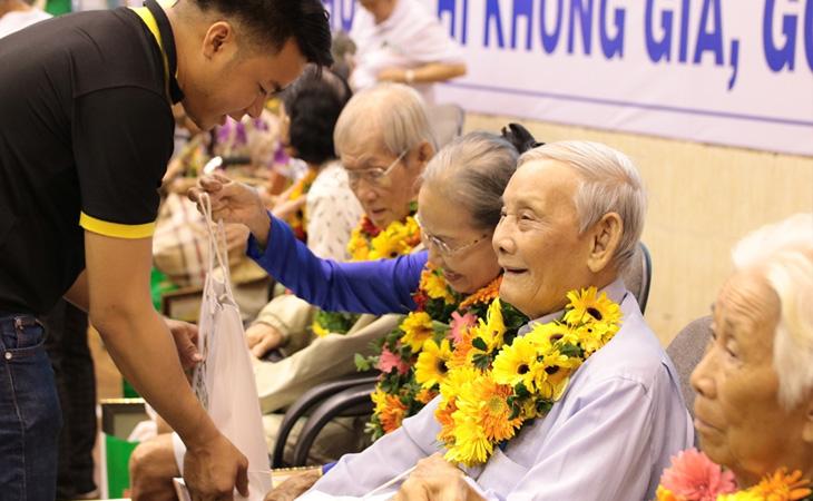 Ngày Quốc tế người cao tuổi ở Việt Nam