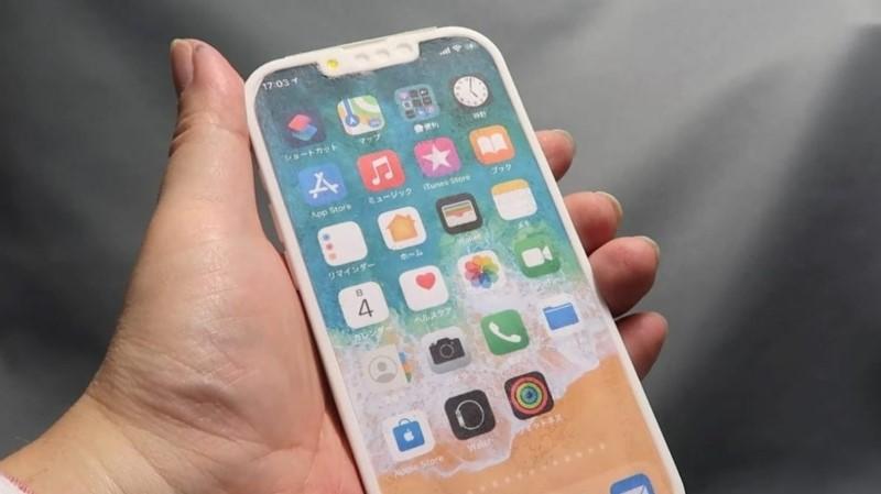 Mô hình iPhone 13 Pro (iPhone 12s Pro) lộ diện với notch tai thỏ nhỏ gọn