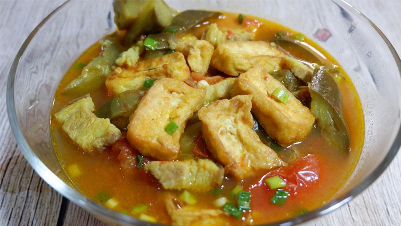 Món canh cà tím đậu phụ