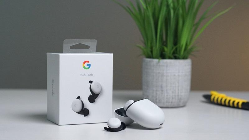 Google có thể đã tiết lộ hình ảnh của tai nghe không dây giá rẻ Pixel Buds A, có màu xanh đậm hơn so với Pixel Buds