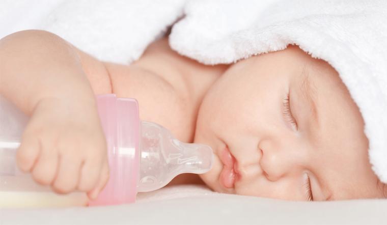 Những điều cần biết về sữa công thức cho trẻ sơ sinh