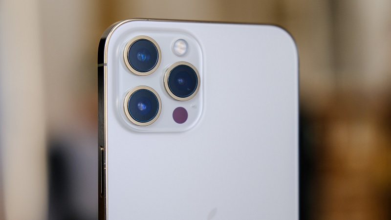 Dành cho những ai đang phân vân mua iPhone 12 Pro Max cũ, đọc xong chốt luôn em hàng chưa bao giờ hết hot này