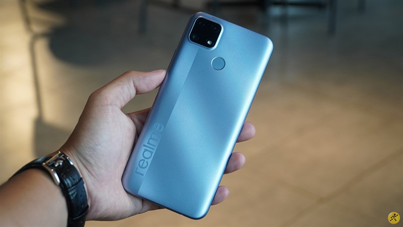 Realme C25 nổi bật với viên pin 6.000 mAh