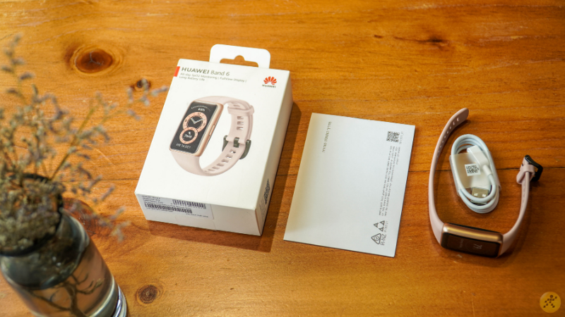The case of Huawei Band 6 will include the device, user manual and magnetic charging cord.