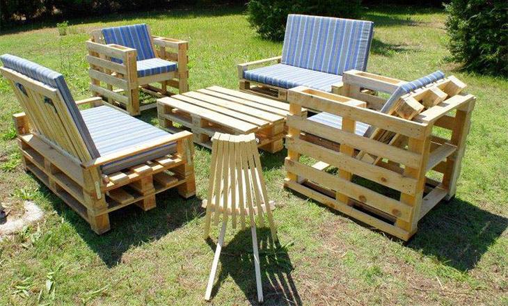 Làm bàn ghế với gỗ pallet