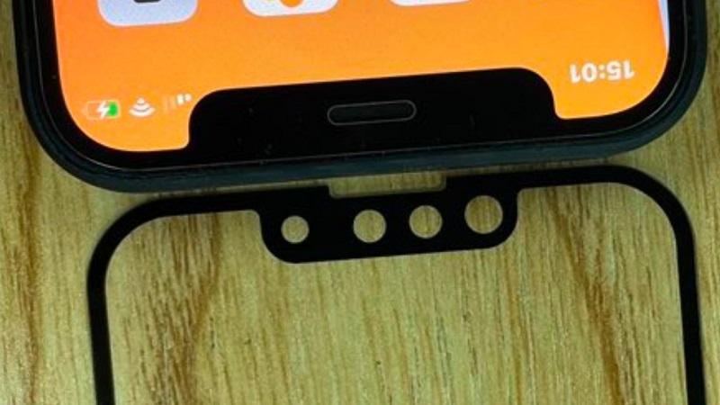 Lộ ảnh mặt trước của iPhone 13 (iPhone 12s) với phần notch tai thỏ nhỏ gọn hơn, loa thoại được dời lên phía trên