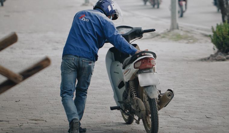 Bánh xe máy hết hơi, làm theo cách này đảm bảo 100% không hư ruột