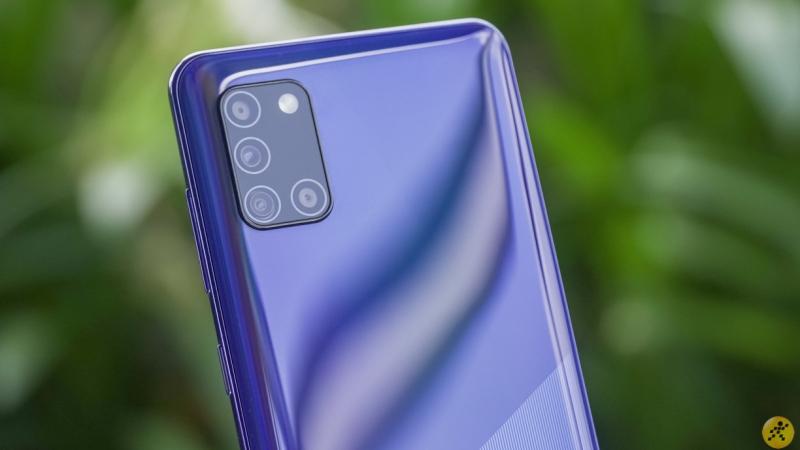 Samsung Galaxy F52 5G lộ hình ảnh, có bốn camera sau với cảm biến chính 64MP, chạy One UI 3.1, sạc nhanh 25W và...