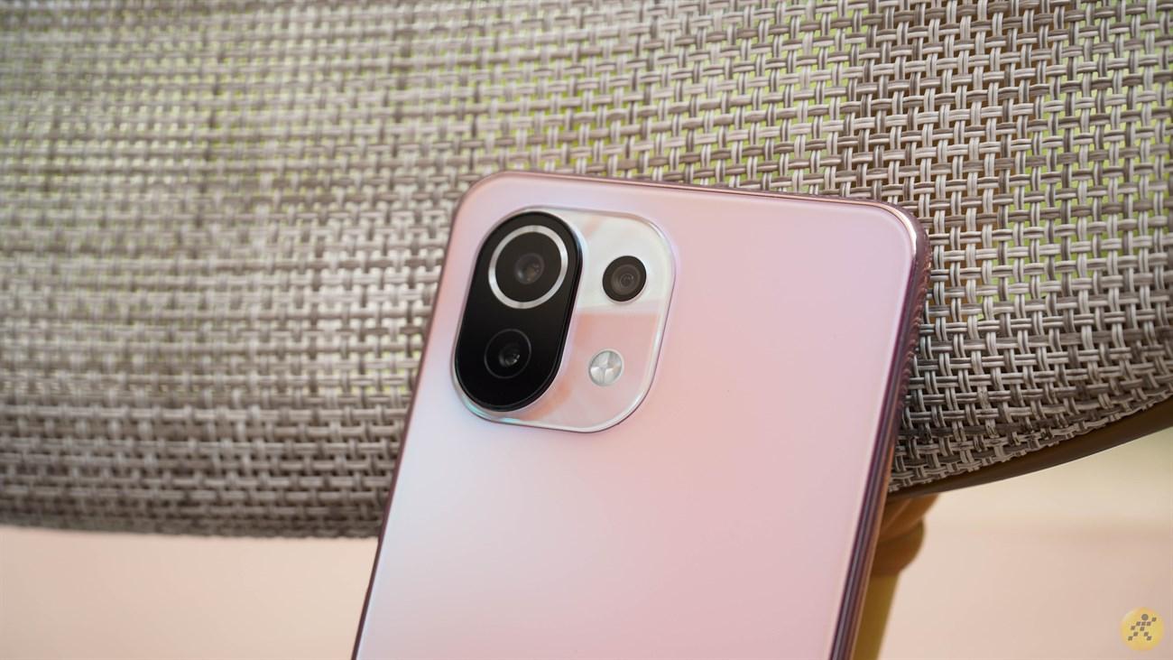 Camera design on Xiaomi Mi 11 Lite