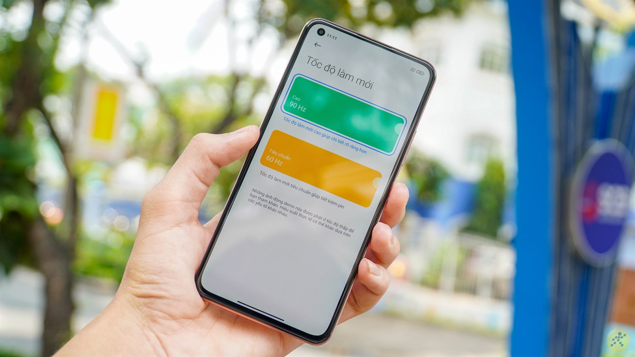 You can only turn on the 90 Hz screen on Mi 11 Lite only
