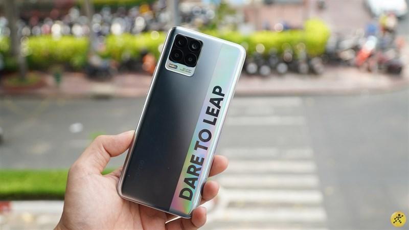 Realme 8 đã đến tay người dùng Việt Nam