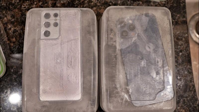 Thử nghiệm đóng băng iPhone 12 Pro Max và Galaxy S21 Ultra