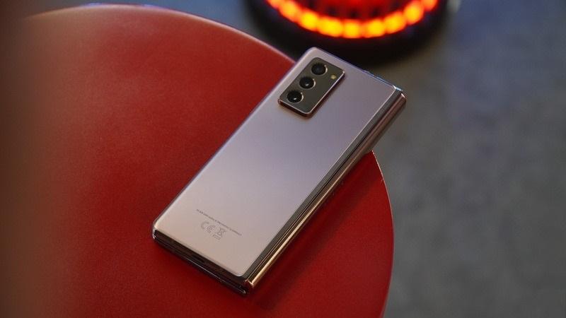 Rò rỉ hình ảnh thực tế 2 thỏi pin gắn trên Galaxy Z Fold 3 nhưng bạn có thể sẽ không vui khi biết dung lượng của chúng