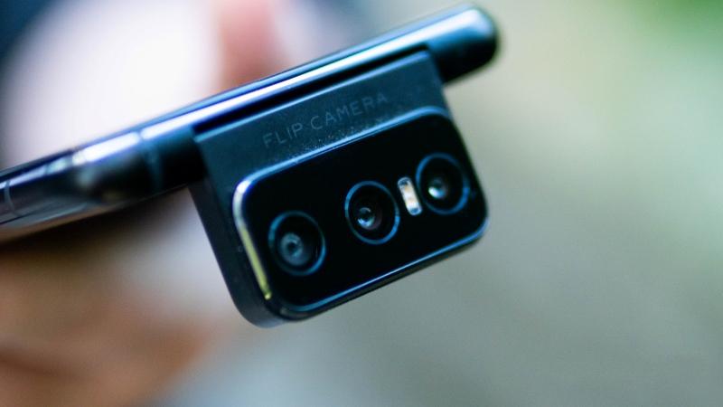ZenFone 8 và ZenFone 8 Flip lộ sạch thông số cùng hình ảnh: Camera lật độc đáo, chạy chip Snapdragon mạnh nhất hiện nay và chống nước