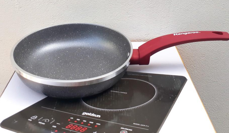 Cách chọn chảo chống dính cho bếp từ 