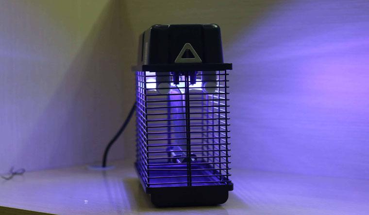 Sử dụng đèn bắt muỗi có an toàn không? Có tốn điện không?