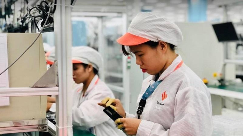 Chỉ 4 tháng đầu năm, Việt Nam đã sản xuất đến 76.9 triệu điện thoại
