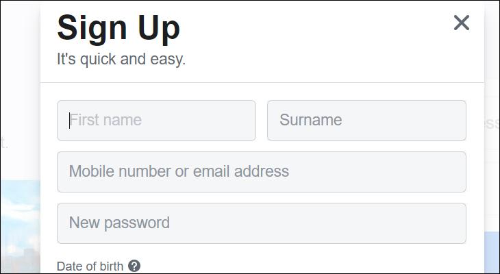 Bạn cần điền First Name và Surname khi đăng ký tài khoản của Facebook
