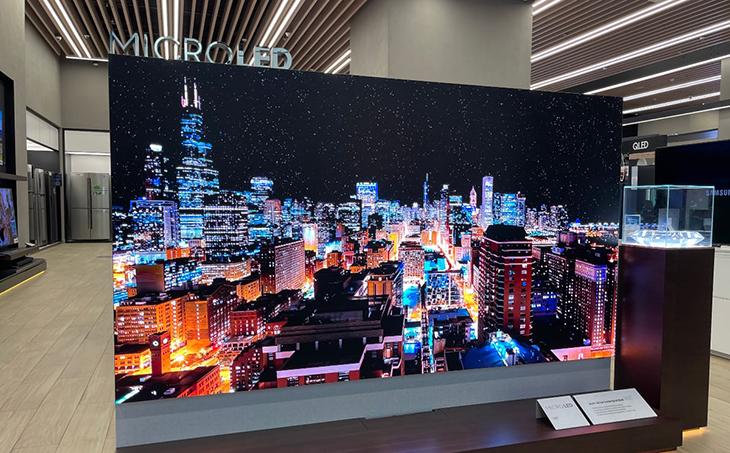 TV hiển thị bầu trời đêm chân thực với sao lấp lánh